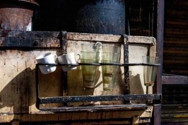 Verres utilisés pour boire du chaï en Inde