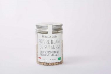 Pot de poivre blanc bio (piper nigrum, white pepper, cow dung) sélectionné par Epices Shira