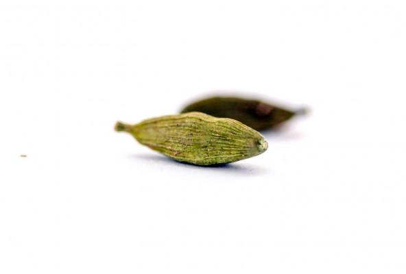 Capusle de cardamome verte biologique, sélectionnée par Epices Shira