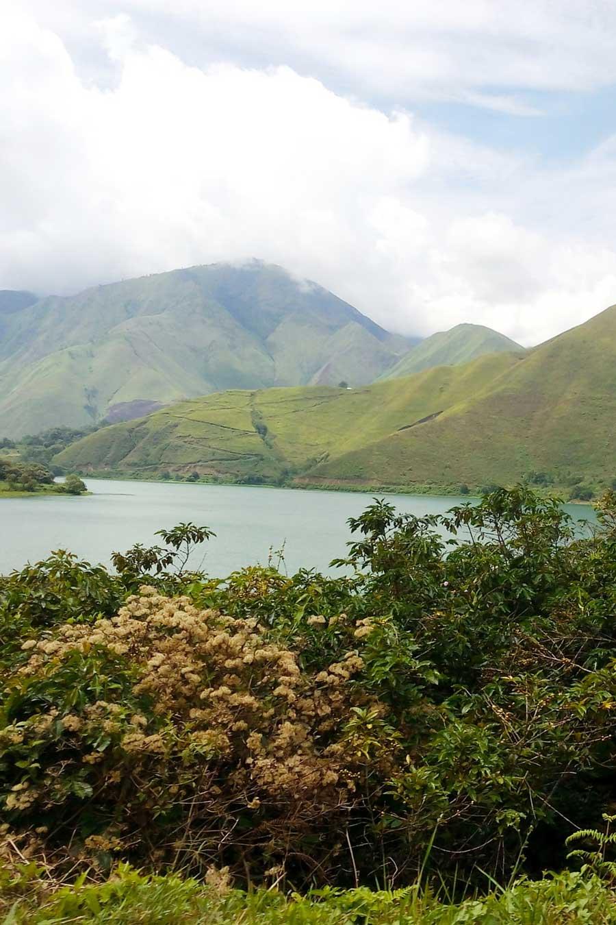 Paysage autour du lac Toba, à Sumatra, en Indonésie, photo de Leontopodium72