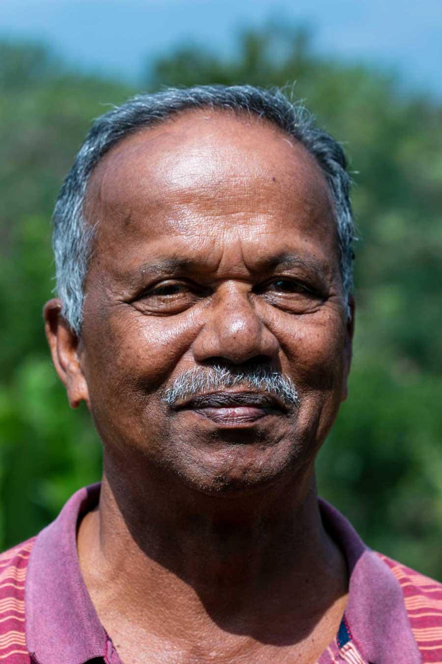 Producteur d'épices dan sel Kerala, en Inde, avec qui nous collaborons