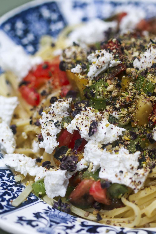 Pâtes, sauce criailla et dukkah aux algues, recette par Epices Shira