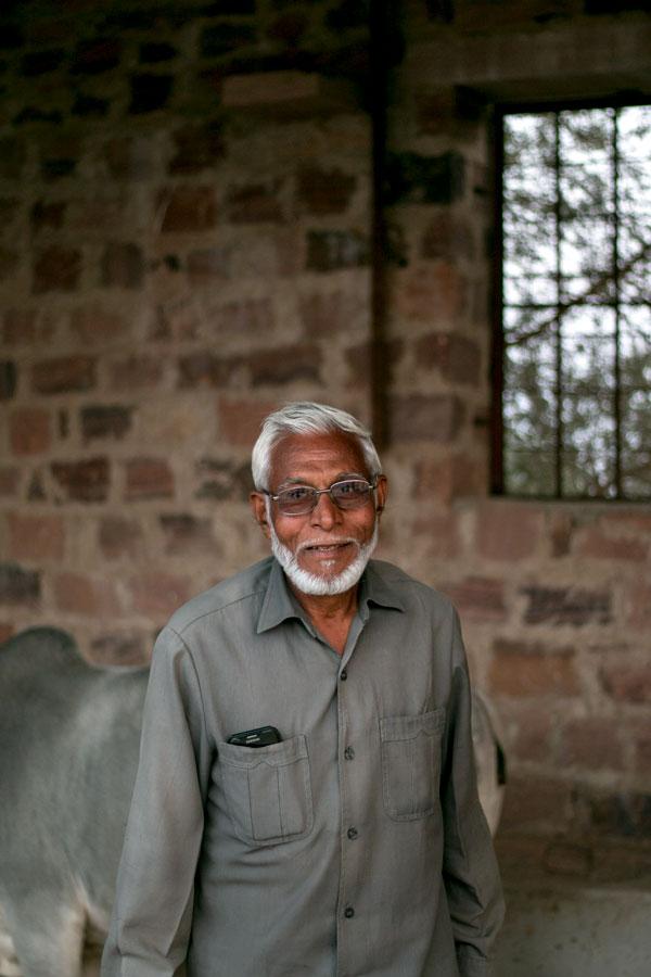Producteur d'épices dans le Rajasthan, en Inde, avec qui nous collaborons