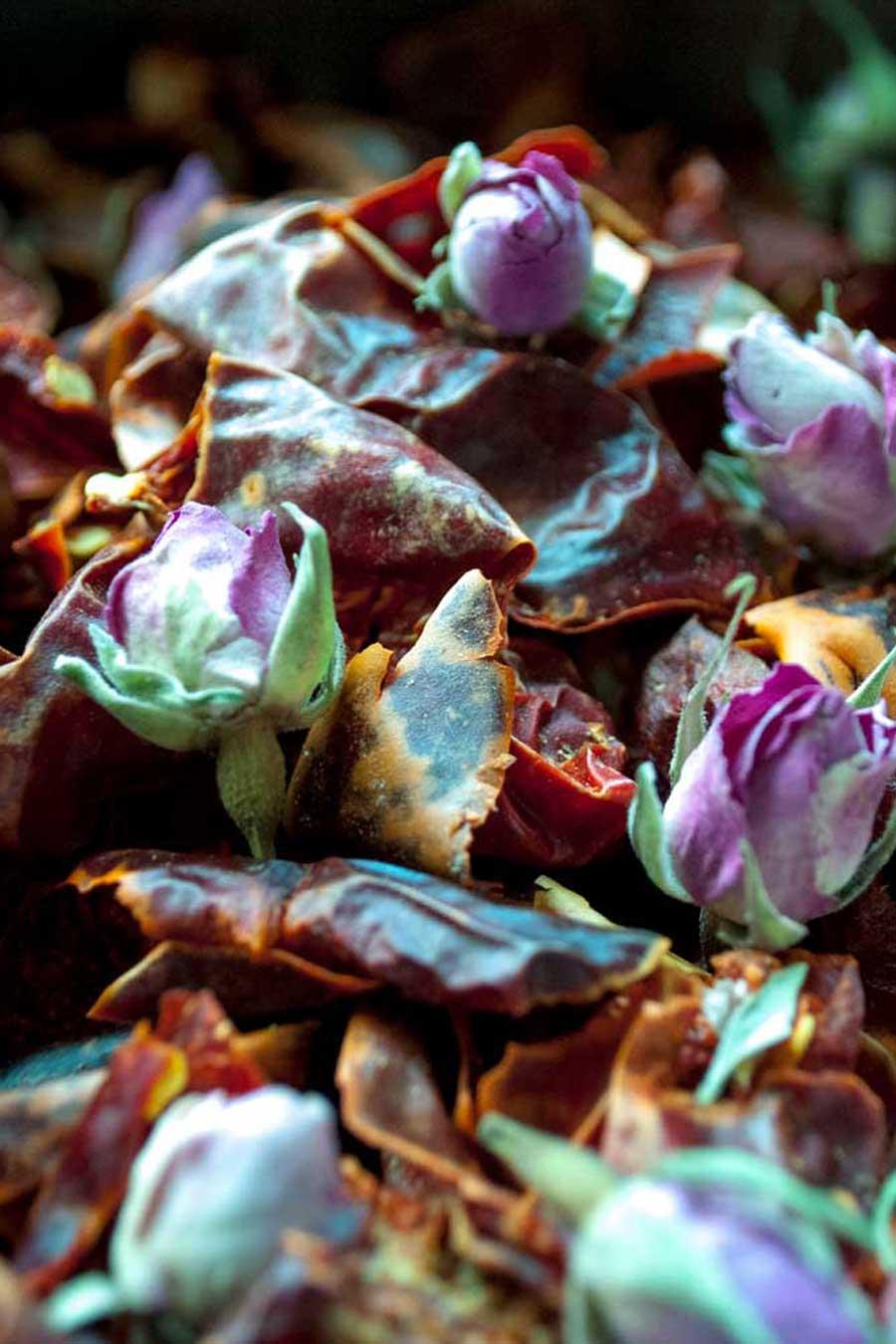 Piments et boutons de rose d'Ispahan