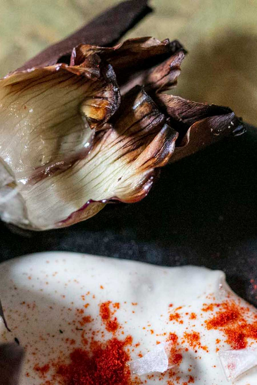 Artichauts braisés avec un petite crème saupoudrée de paprika
