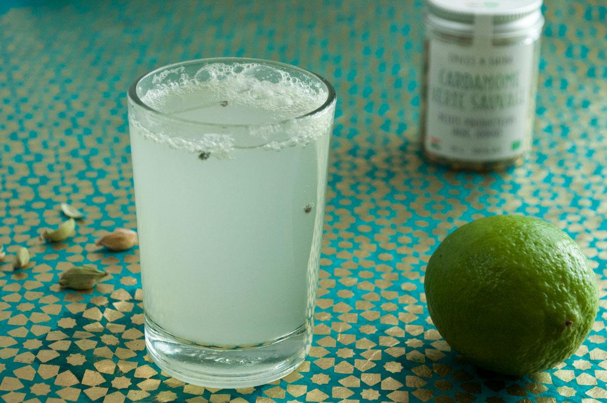 citronnade à la cardamome, boisson aux épices, recette végétarienne, recette sans gluten, épices biologiques, Épices Shira