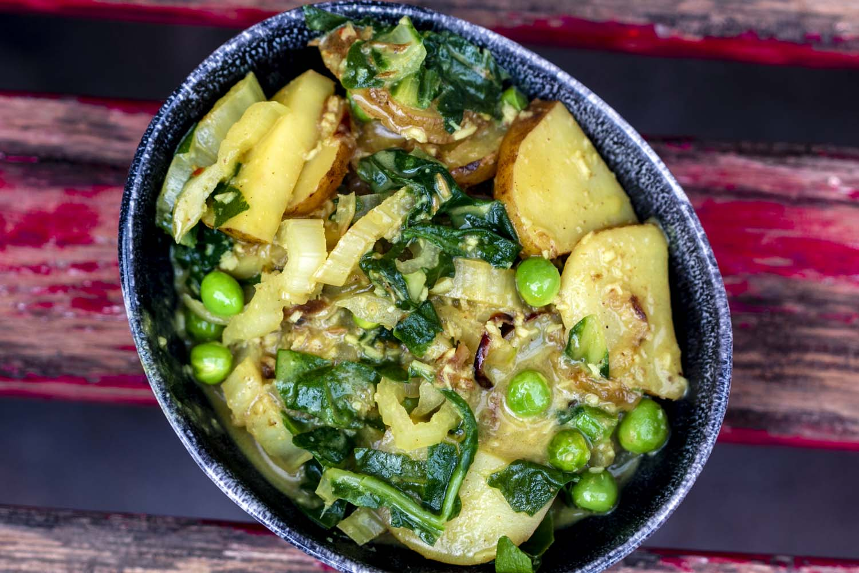 curry de blettes, petits pois et lait de coco, recette végétarienne, recette vegan, recette sans gluten, épices biologiques, cuisine indienne, Épices Shira