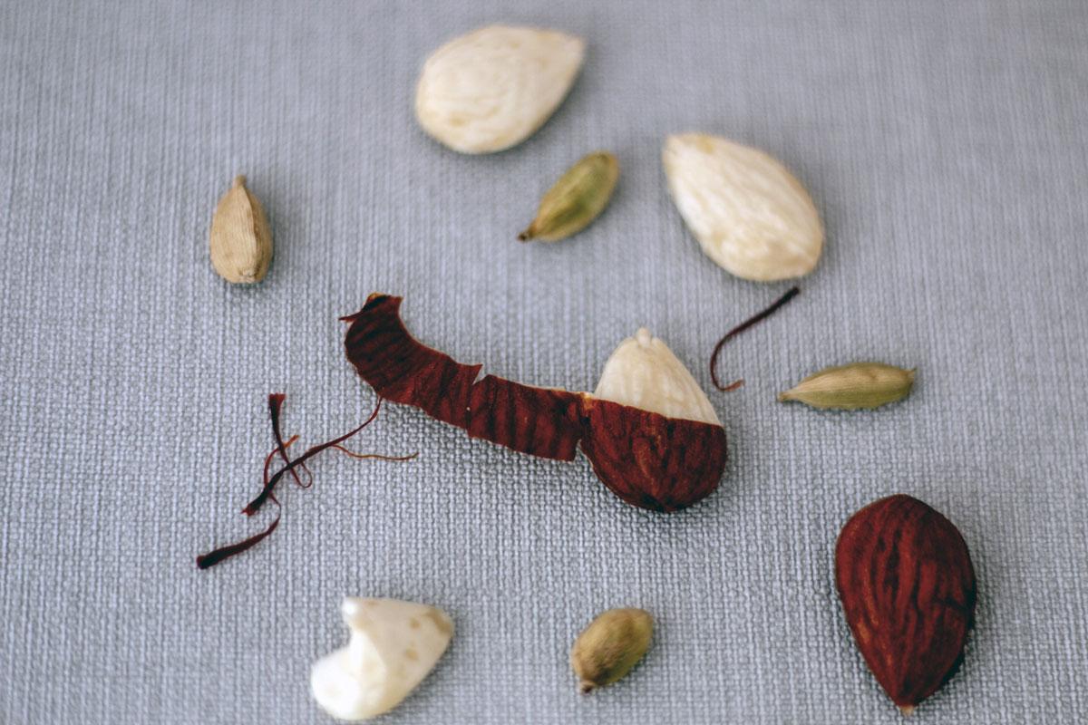 comment effiler des amandes, épices biologiques, Épices Shira